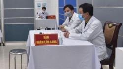 Bắt đầu tiêm thử nghiệm vaccine phòng Covid-19 cho 3 tình nguyện viên