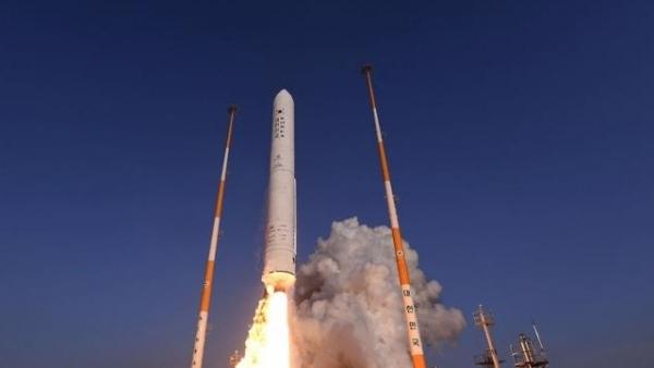 Mỹ 'tháo vòng kim cô', Hàn Quốc tăng tốc ngoại giao không gian