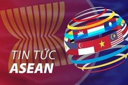 Tin tức ASEAN buổi sáng 24/12: Ông già Noel cưỡi voi phát khẩu trang ở Thái Lan, Tổng thống Indonesia kiện toàn nội các