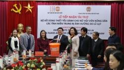 UNFPA hỗ trợ đồ dùng thiết yếu cho phụ nữ và trẻ em gái tại miền Trung Việt Nam