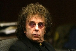 Nhà sản xuất âm nhạc huyền thoại Phil Spector mắc Covid-19 và đã qua đời
