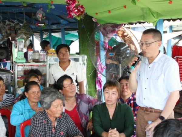 Dịch Covid-19: Đại sứ quán Việt Nam tại Campuchia luôn sát cánh cùng bà con gốc Việt