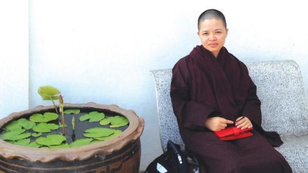 'Trái tim Không': Sách mới mùa Phật đản của nữ nhà văn Phan Việt