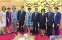 Trao tặng Kỷ niệm chương cho Đại sứ Bỉ tại Việt Nam