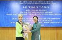 Huân chương Hữu nghị dành tặng người gieo trồng 'cây hòa bình' ở Việt Nam