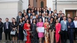 Biểu dương người Việt tại Đức có đóng góp tích cực cho cộng đồng và hướng về đất nước