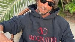 Mẫu áo hoodie đặc biệt của Valentino ủng hộ chiến dịch tiêm chủng vaccine Covid-19 toàn cầu