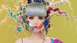 Siêu mẫu gốc Việt Jessica Minh Anh khoe sắc cùng chiếc khẩu trang chống biến đổi khí hậu