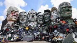 Chân dung lãnh đạo G7 được tạc tượng bằng rác thải điện tử