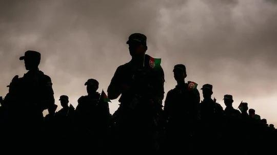 Nguyên nhân nào khiến quân đội Afghanistan sụp đổ chóng vánh?