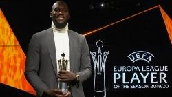 Vượt qua Bruno Fernandes, Romelu Lukaku nhận giải cầu thủ xuất sắc nhất Europa League