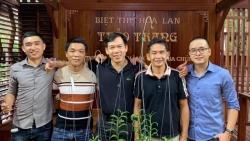 Ông chủ Nguyễn Văn Toán chia sẻ kinh nghiệm chăm lan tay ngang