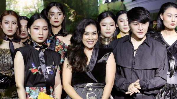 Fashion Runway Spring - Summer 2021: Rực rỡ, ý nghĩa và thành công