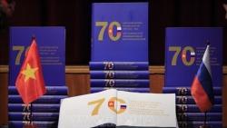 Hội thảo kỷ niệm 90 năm thành lập Đoàn và giới thiệu sách về 70 năm quan hệ Việt– Nga tại Saint Petersburg