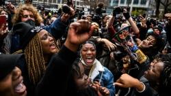 Mỹ tuyên cựu cảnh sát trong vụ George Floyd 'có tội', hàng ngàn người bày tỏ đồng tình