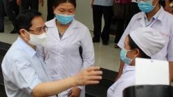 Thủ tướng Phạm Minh Chính: Vaccine nào cũng có phản ứng phụ, đừng quá hoang mang, lo sợ!