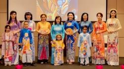 Hoa hậu Ngọc Hân 'xây' cầu nối văn hóa trên tà áo dài