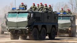 Top 5 siêu xe quân sự Nga có khả năng đáng kinh ngạc đến mức nào?