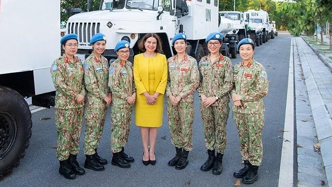 Đại sứ Australia tôn vinh vai trò sứ giả hòa bình của phụ nữ Việt Nam