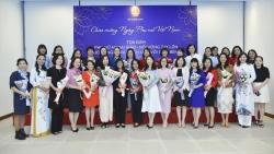 Phụ nữ ngoại giao: Tỏa sáng trước thách thức của đại dịch