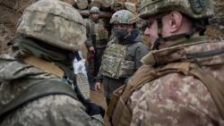Nga-Ukraine: Ông Zelensky khẳng định 'sẵn sàng tiến xa hơn nữa', mời ông Putin tham gia hòa đàm ở Donbass