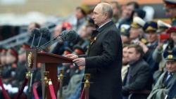 Ảnh ấn tượng tuần (3-9/5): Hoành tráng lễ duyệt binh mừng Ngày Chiến thắng của Nga, nhói lòng vì Covid-19 ở Ấn Độ và cháy giếng dầu ở Iraq