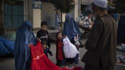Tình hình Afghanistan: Mỹ 'bật đèn xanh' để bổ sung viện trợ, lên án kế hoạch Taliban khôi phục hình phạt