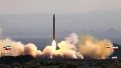 Quân đội Iran thử nghiệm tên lửa thông minh có tầm bắn 300km