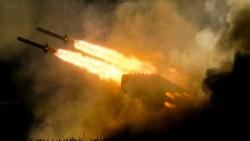 Pháo binh dã chiến: Thừa nhận bị tụt hậu, Mỹ có gì để thách thức Nga?