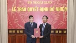 Lãnh đạo Bộ Ngoại giao trao Quyết định bổ nhiệm cán bộ