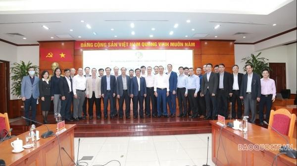Đoàn Trưởng Cơ quan đại diện Việt Nam ở nước ngoài làm việc với Bộ Nông nghiệp và Phát triển Nông thôn