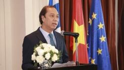 Thứ trưởng Ngoại giao Nguyễn Quốc Dũng dự tiệc chiêu đãi kỷ niệm Quốc khánh Phần Lan
