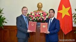 Việt Nam-Anh: Trao công hàm khẳng định ngày có hiệu lực của UKVFTA