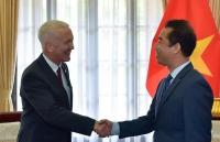 Thứ trưởng Ngoại giao Tô Anh Dũng tiếp Đại sứ Thụy Sỹ chào xã giao