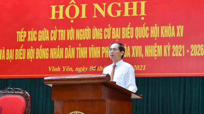 Bộ trưởng Ngoại giao Bùi Thanh Sơn tiếp xúc cử tri, vận động bầu cử tại thành phố Vĩnh Yên
