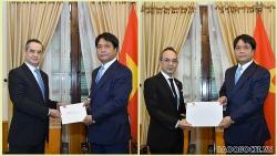 Cục trưởng Cục Lễ tân Nhà nước tiếp các Đại sứ Chile và Thái Lan trao bản sao Ủy nhiệm thư