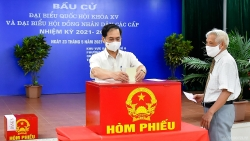 Bộ trưởng Ngoại giao Bùi Thanh Sơn tham gia bỏ phiếu bầu cử tại quận Nam Từ Liêm, Hà Nội