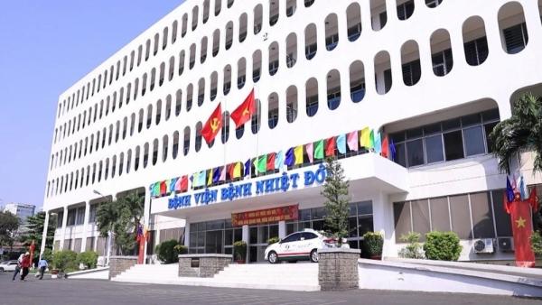 Không tiếp xúc bệnh nhân, 3 nhân viên Bệnh viện Bệnh Nhiệt đới TP. Hồ Chí Minh nghi mắc Covid-19