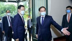 Bộ trưởng Ngoại giao Bùi Thanh Sơn đón, hội đàm với Bộ trưởng Ngoại giao Hàn Quốc Chung Eui Yong