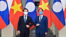 Bộ trưởng Ngoại giao Lào chúc mừng Bộ trưởng Ngoại giao Bùi Thanh Sơn