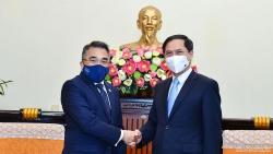 Bộ trưởng Ngoại giao Bùi Thanh Sơn tiếp các Đại sứ Philippines, Argentina và Pakistan chào xã giao