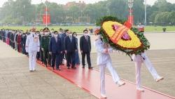 Đại biểu Quốc hội khóa XV vào Lăng viếng Chủ tịch Hồ Chí Minh