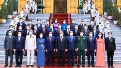 Chủ tịch nước Nguyễn Xuân Phúc trao quyết định bổ nhiệm các thành viên Chính phủ nhiệm kỳ 2021 – 2026