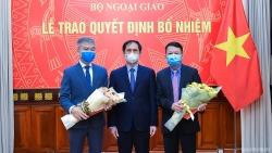 Bộ trưởng Ngoại giao Bùi Thanh Sơn trao quyết định bổ nhiệm cấp Vụ của Bộ Ngoại giao