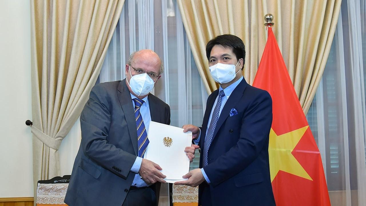 Việt Nam tiếp nhận bản sao Thư ủy nhiệm của Tổng thống Áo bổ nhiệm Đại sứ tại Việt Nam