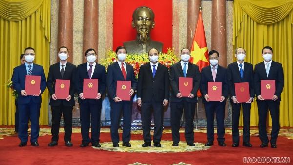 Toàn cảnh lễ trao quyết định bổ nhiệm Đại sứ Việt Nam tại nước ngoài nhiệm kỳ 2021-2024 lần thứ nhất qua ảnh