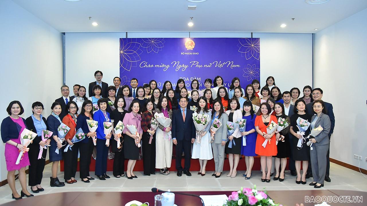Bộ Ngoại giao long trọng kỷ niệm Ngày Phụ nữ Việt Nam 20/10