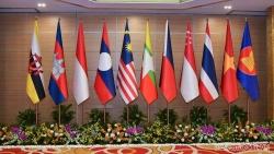 Treo cờ ASEAN cùng cờ của các quốc gia như thế nào?