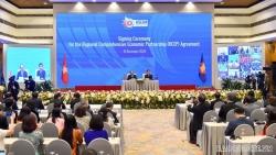 'Giương cao lá cờ ASEAN trong năm đại dịch: Vai trò Chủ tịch của Việt Nam năm 2020'