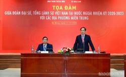 Đoàn Trưởng Cơ quan đại diện Việt Nam ở nước ngoài nhiệm kỳ 2020-2023 tọa đàm với Lãnh đạo các tỉnh miền Trung